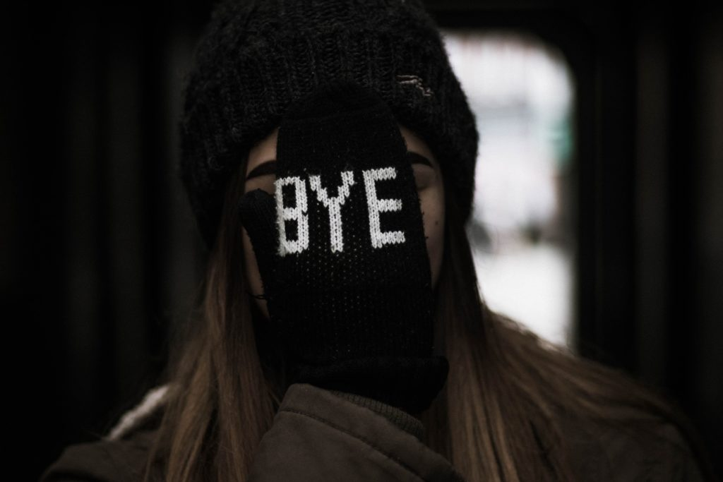 decir adiós