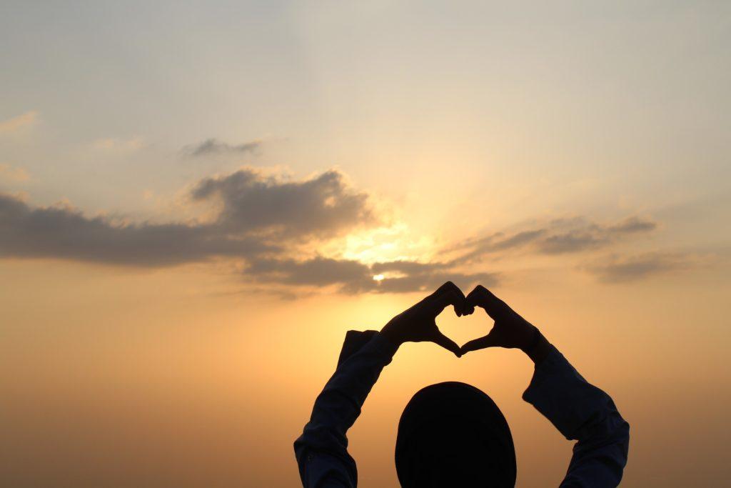 con el corazón